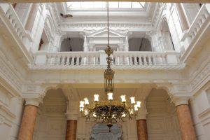 hall-de-entrada-academia-diplomtica-de-chile-andrs-bello_6038643430_o